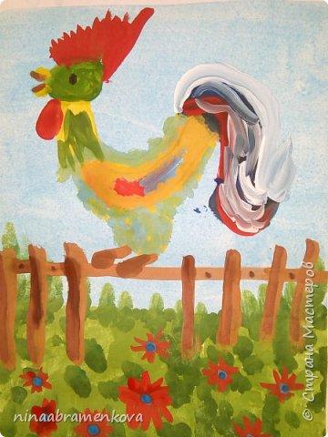 Рисуем с детьми: «Петушок на заборе». Дети очень любят рисовать петуха. Это один из любимых героев сказок.  фото 22