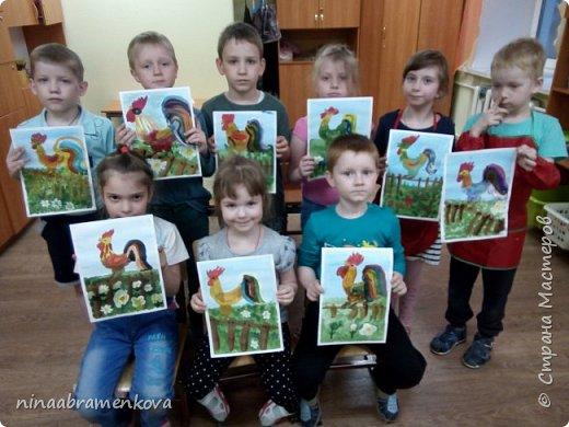 Рисуем с детьми: «Петушок на заборе». Дети очень любят рисовать петуха. Это один из любимых героев сказок.  фото 17