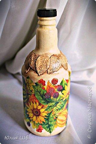 Добрый день, дорогие мастерицы! я с бутылочками для наливок домашних. Стеклянные бутылки, грунт, краска, салфетки, объемные элементы выполнены из массы для лепки Das. фото 1