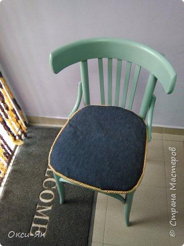 Забежала на минутку поделиться моими стульями в стоматологический кабинет.Там намечается ремонт и будут сменены стулья.Вот мне пришла в голову идея из старых,определенно уже не очень хороших сделать вот таких красавцев.Все восстановлено,можно даже прыгать на них фото 5