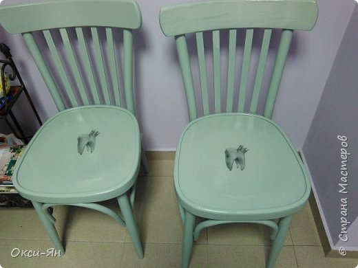 Забежала на минутку поделиться моими стульями в стоматологический кабинет.Там намечается ремонт и будут сменены стулья.Вот мне пришла в голову идея из старых,определенно уже не очень хороших сделать вот таких красавцев.Все восстановлено,можно даже прыгать на них фото 1