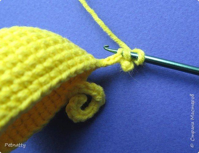Хочу вам показать, как связать крючком свинку – символ следующего года. Вяжется свинка достаточно просто и быстро. фото 8