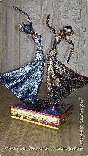 Добрый день  СМ!!!     На просторах интернета увидела  поделку -танцующие  девушки .    Мне понравилась такая  поделка , и я решила  изменить  и сделать шкатулку -  с танцующими  девушками . Девушкам  добавила украшения  в стиле стимпанк и   украсила коробочку   фото 24