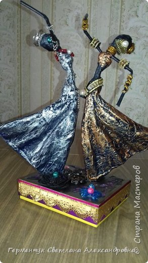 Добрый день  СМ!!!     На просторах интернета увидела  поделку -танцующие  девушки .    Мне понравилась такая  поделка , и я решила  изменить  и сделать шкатулку -  с танцующими  девушками . Девушкам  добавила украшения  в стиле стимпанк и   украсила коробочку   фото 25