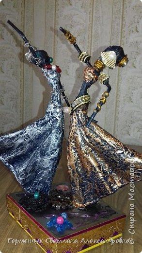 Добрый день  СМ!!!     На просторах интернета увидела  поделку -танцующие  девушки .    Мне понравилась такая  поделка , и я решила  изменить  и сделать шкатулку -  с танцующими  девушками . Девушкам  добавила украшения  в стиле стимпанк и   украсила коробочку   фото 33