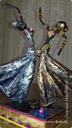 Добрый день  СМ!!!     На просторах интернета увидела  поделку -танцующие  девушки .    Мне понравилась такая  поделка , и я решила  изменить  и сделать шкатулку -  с танцующими  девушками . Девушкам  добавила украшения  в стиле стимпанк и   украсила коробочку   фото 38