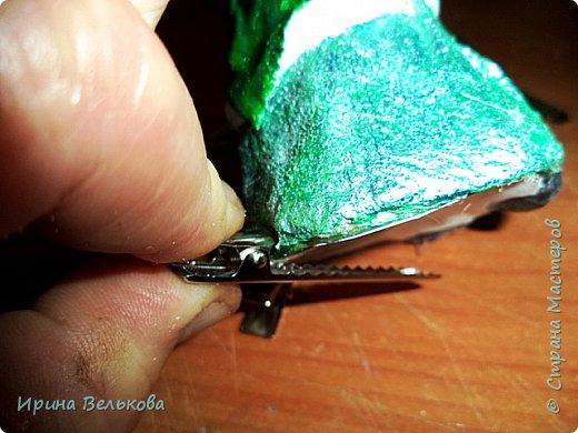 Здравствуйте!  Хоть до Новогодних праздников ещё далеко, но я уже к ним готовлюсь. Вот закончила работу над набором ёлочных игрушек. Основной материал - вата. Лица вылеплены из полимерной глины.   Расписаны  игрушки акрилом .  Для украшения использовала мех, кружево и бусины. фото 35