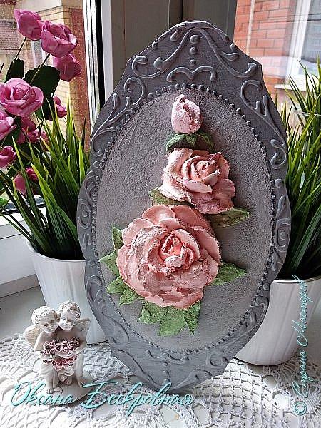 Всем доброго время суток! Сегодня, как обещала, выложу свои розы. Техника скульптурная живопись.  Панно высота 29 см. фото 1