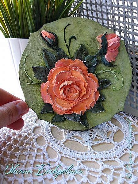 Всем доброго время суток! Сегодня, как обещала, выложу свои розы. Техника скульптурная живопись.  Панно высота 29 см. фото 16