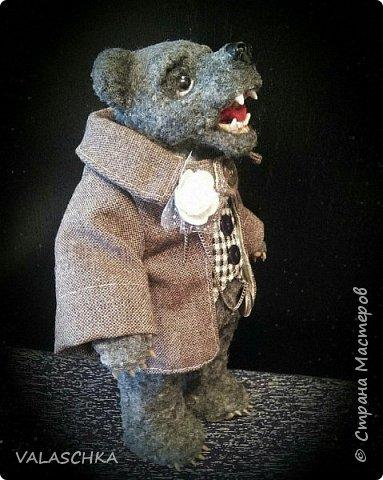 Представляю Вам моего первого сшитого мишку. Вся одежда тоже сшита вручную. фото 1