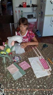 """Решила с дочками пока в отпуске начать работать над научно-исследовательским проектом. Который мы каждый год защищаем в школе. Но прежде чем его начать печатать ,нужно хоть что-то сделать. С младшей дочкой мы решили поработать над проектом """"игрушки Тильда"""". фото 2"""