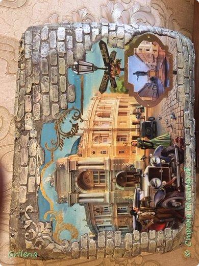 Добрый день, жители Страны мастеров. Решила показать вам свою новую работу. Панно выполнено по мастерклассу Светланы Короткой. Декупаж на пеноплексе. фон сделан при помощи трафарета и шпаклевки. Покрашено при помощи техники сухой кисти. фото 1