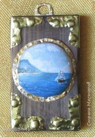 Море. Маленькое панно, с росписью по металлу. Размер картинки в центре - 5 см. Общий размер 5,5 х 9 х 2,5 см фото 3