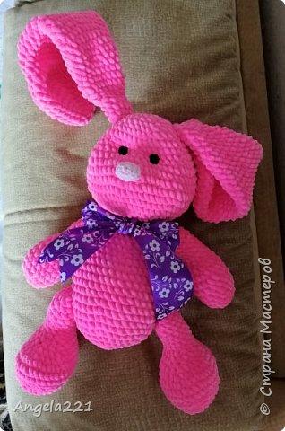 Из плюшевой пряжи получаются очень милые игрушки - они приятны на ощупь и быстро вяжутся. фото 1