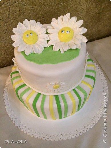 А я с ромашками к вам и со своим счастьем! Сын женился!!! Цвета для свадьбы выбрали самые яркие и самые летние-зелёный и жёлтый, ну и конечно же ромашки! Много ромашек!Чуть-чуть мешковины и пеньков со спилами))  фото 16