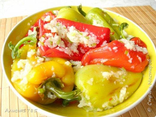 Острая закуска из сладкого перца или жареный болгарский перец в чесночном маринаде