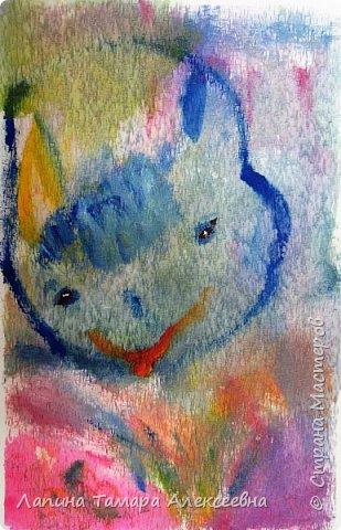 """Предлагаю, всем заглянувшим, посмотреть абстрактную живопись моих художников. Работали акрилом по материалу для жалюзи.  Краску растирали по материалу без определённой задумки, """"вычищая"""" краску с кисточки по ткани. Работа Агаты, 6л Вот что у ребят получилось."""