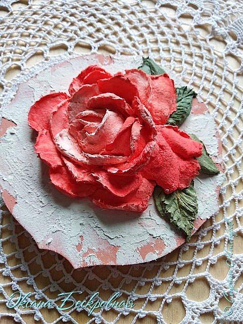 Всем привет! Сегодня выставляю розы,которые в предыдущем посте не уместились))  Техника скульптурная живопись. Т.е. рисование декоративной штукатуркой при помощи мастихина. Часы диаметр 25 см фото 7