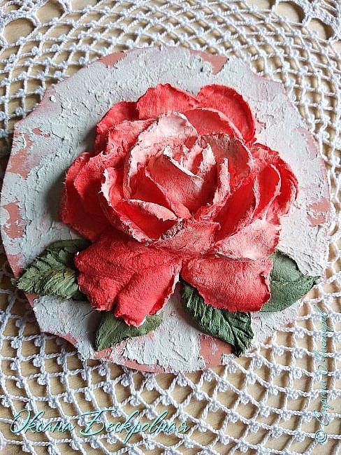 Всем привет! Сегодня выставляю розы,которые в предыдущем посте не уместились))  Техника скульптурная живопись. Т.е. рисование декоративной штукатуркой при помощи мастихина. Часы диаметр 25 см фото 6