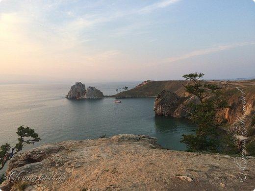 Доброго времени суток, дорогие жители Страны Мастеров! Продолжаю рассказывать о своём путешествии на Байкал. Именно здесь собираются те, кто хочет попасть на Ольхон. Это паромная переправа, которая соединяет материк и остров.  фото 11