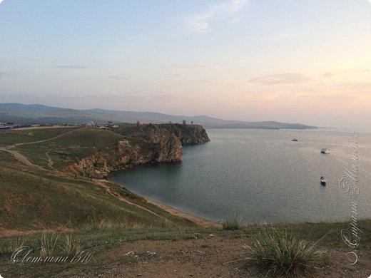 Доброго времени суток, дорогие жители Страны Мастеров! Продолжаю рассказывать о своём путешествии на Байкал. Именно здесь собираются те, кто хочет попасть на Ольхон. Это паромная переправа, которая соединяет материк и остров.  фото 14