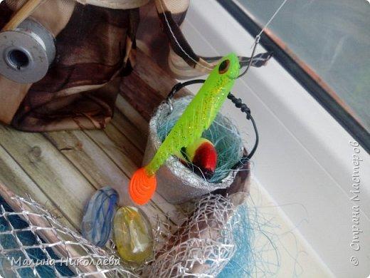 Вот такой рыбак получился у меня. Сидит и рыбачит в плаще) фото 5