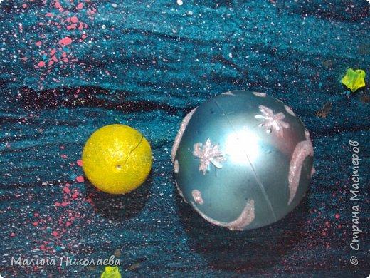 Делали объемную солнечную систему в начальную школу сыну, когда он учился еще в 3 классе. Сейчас он у нас семиклассник) Использовали рекламный щит с подножкой. фото 4