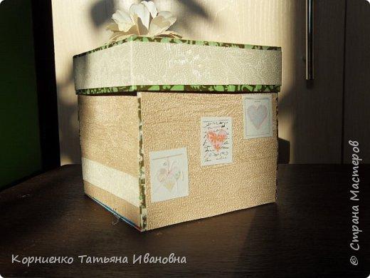 Набралось у меня несколько коробочек из под щоколада, а внутренний хомяк не давал выкинуть такую интересную маленькую вещичку. Первое , что пришло в голову. это сделать новогодние подарочки соседкам:) . фото 23