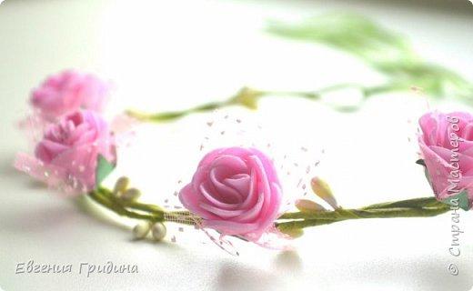 Ободок с пышными цветами. Основа для ободка пластиковая, искусственные цветы и листья (брала те которые можно стирать), пестики и тычинки :) Все закрепляла на клей. фото 4