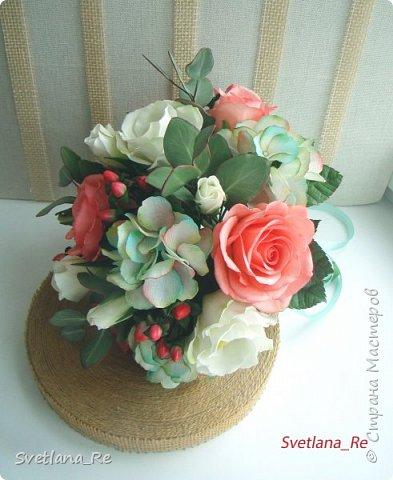 Для одной очаровательной невесты сделала букет. Свадьба была в цвете тиффани. Букет полностью из фоамирана - зелень, цветы, ягоды, тычинки....все))  В живую смотрится как настоящий. По словам невесты, никто на свадьбе так и не поняла, что букет рукотворный.  Диаметр шапочки примерно 25-30 см  фото 6