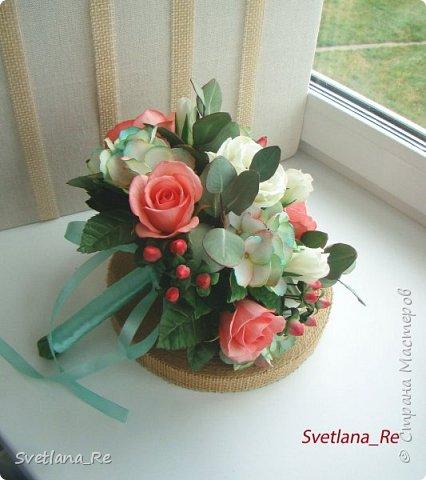 Для одной очаровательной невесты сделала букет. Свадьба была в цвете тиффани. Букет полностью из фоамирана - зелень, цветы, ягоды, тычинки....все))  В живую смотрится как настоящий. По словам невесты, никто на свадьбе так и не поняла, что букет рукотворный.  Диаметр шапочки примерно 25-30 см  фото 8
