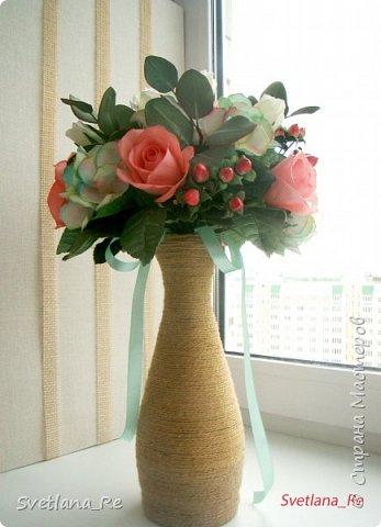 Для одной очаровательной невесты сделала букет. Свадьба была в цвете тиффани. Букет полностью из фоамирана - зелень, цветы, ягоды, тычинки....все))  В живую смотрится как настоящий. По словам невесты, никто на свадьбе так и не поняла, что букет рукотворный.  Диаметр шапочки примерно 25-30 см  фото 2