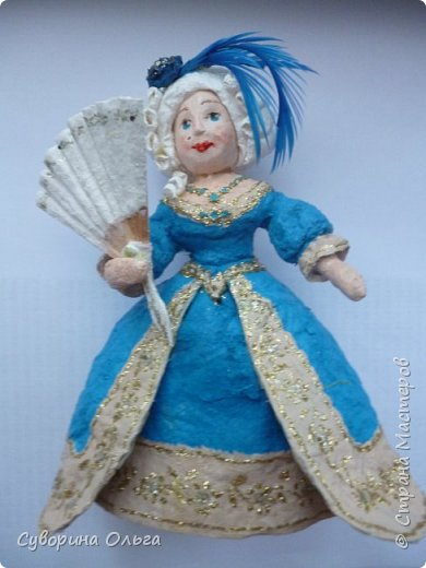 Сначала хотела сделать в пару к принцу Золушку - а получилась Анжелика-маркиза ангелов,уж больно мордашка не была похожа на Золушку. В живую намного красивее,чем на фото. Платье все горит! фото 1
