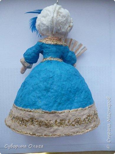 Сначала хотела сделать в пару к принцу Золушку - а получилась Анжелика-маркиза ангелов,уж больно мордашка не была похожа на Золушку. В живую намного красивее,чем на фото. Платье все горит! фото 2