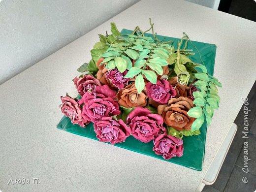 Всем здравствуйте, моя новая поделка - интерьерная композиция, букет из роз из натуральной кожи. фото 9