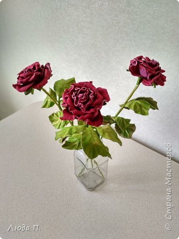 Всем здравствуйте, моя новая поделка - интерьерная композиция, букет из роз из натуральной кожи. фото 10