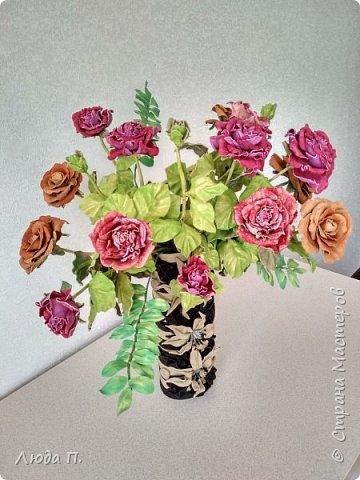 Всем здравствуйте, моя новая поделка - интерьерная композиция, букет из роз из натуральной кожи. фото 2