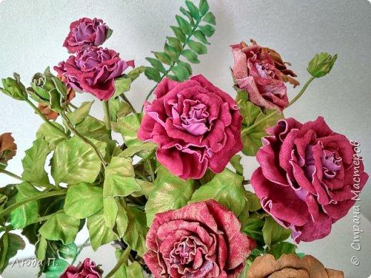 Всем здравствуйте, моя новая поделка - интерьерная композиция, букет из роз из натуральной кожи. фото 5