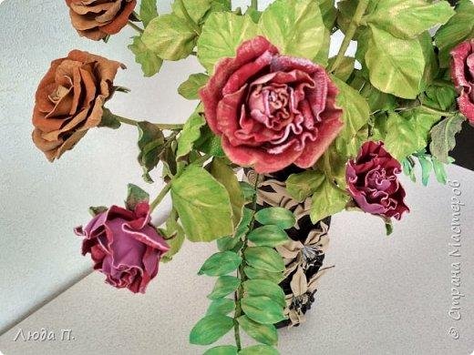 Всем здравствуйте, моя новая поделка - интерьерная композиция, букет из роз из натуральной кожи. фото 6