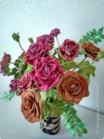 Всем здравствуйте, моя новая поделка - интерьерная композиция, букет из роз из натуральной кожи. фото 4