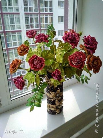 Всем здравствуйте, моя новая поделка - интерьерная композиция, букет из роз из натуральной кожи. фото 7