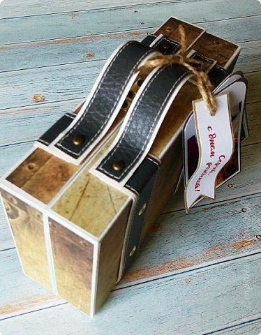 Сегодня покажу коробочку для подарка в виде чемоданчика. Сделан на заказ для успешного парня, любителя путешествий. Следующая его мечта - съездить в Израиль, отсюда такие тэги.. фото 5
