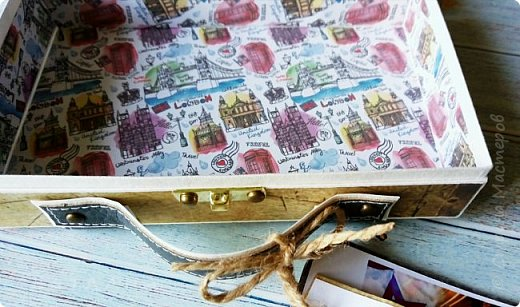Сегодня покажу коробочку для подарка в виде чемоданчика. Сделан на заказ для успешного парня, любителя путешествий. Следующая его мечта - съездить в Израиль, отсюда такие тэги.. фото 7