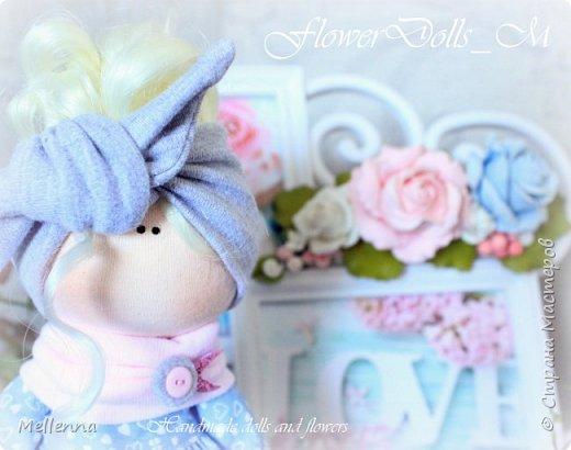 Пухляшка Мила -  добрая и мечтательная девочка!   Куколка  выполнена из хлопкового трикотажа Одежда - трикож Обувь - фоамиран Наполнитель - холофайбер Волосы - трессы для кукол  Одежда не снимается. Стоит самостоятельно.  фото 2