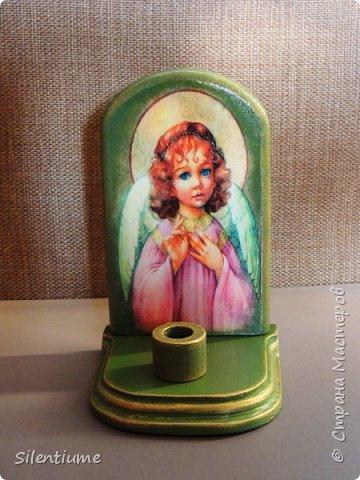 Вот такое панно-подставочка для свечи делала в подарок одному хорошему человеку. Декупаж, окрашивание, золочение, лак. фото 3