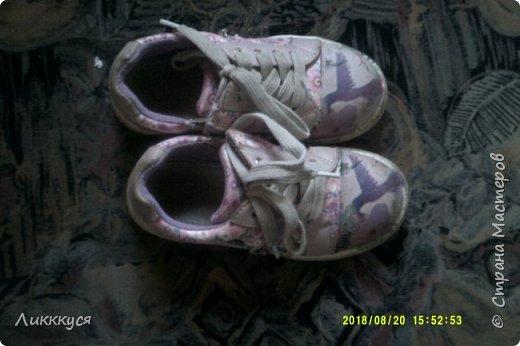 ребенок в первые же дни сбил носы у обуви. Как-то в интернете видела как реставрируют обувь. Решила попробовать  фото 1