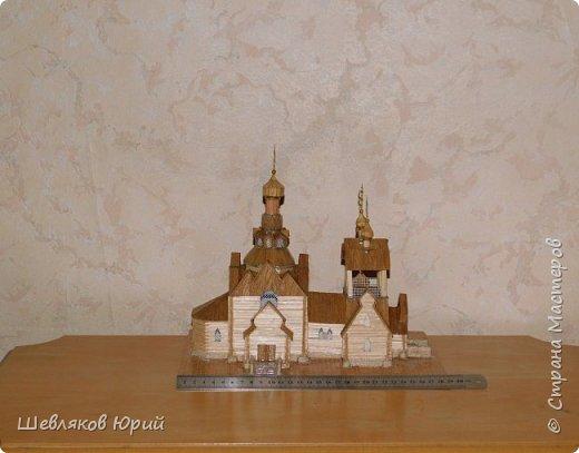 Строительством церкви занимался архитектор И.И. Бони. Храм получил стиль новгородских церквей XVI в., его венчал одна главка на четырехскатной крыше.  фото 5
