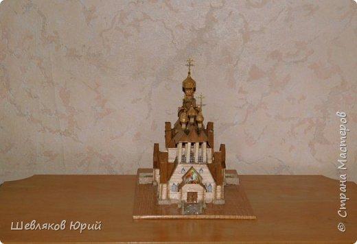 Строительством церкви занимался архитектор И.И. Бони. Храм получил стиль новгородских церквей XVI в., его венчал одна главка на четырехскатной крыше.  фото 2