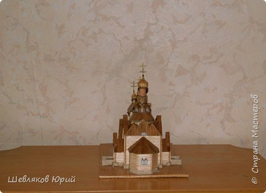 Строительством церкви занимался архитектор И.И. Бони. Храм получил стиль новгородских церквей XVI в., его венчал одна главка на четырехскатной крыше.  фото 4