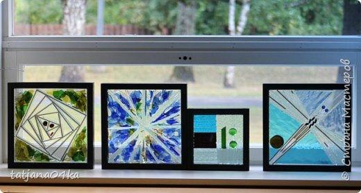 На днях столкнулась с техникой изготовления витражей,,  ,причём очень необычной,,,стекло порезано на куски в 2см,,,применялись разбитые бутылки,банки,бокалы,,три дня мы подбирали, складывали ,собирали мозаичные и геометрические  творческие работы,,очень интересно было,,, фото 4